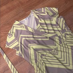 Cutest dress to end summer with! Zigzag!